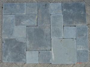 https://www.schutting.nl/bestanden/cache/afb/439/*AANBIEDING-Limestone-Black-Wildverband-Zwart-15-25cm-dik-OPOP.jpg