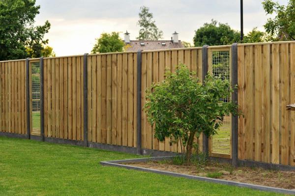 *Tuinscherm grenen 21 planks 18mm recht rvs geschroefd 180x180cm