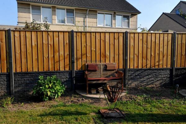 Tuinscherm waxed grenen 23 planks 18mm recht rvs geschroefd 180x180cm